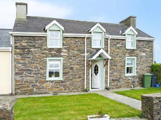 GOLF VIEW FARMHOUSE, family friendly, country holiday cottage, with a garden in Skibbereen, County Cork, Ref 4177 - Skibbereen vacation rentals