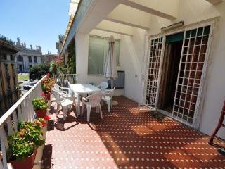 4 bedroom central holiday home in Rome 8 people - Rome vacation rentals