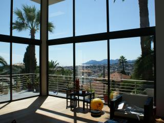 CANNES: Villa with sea view and pool, shops 400m - Le Cannet vacation rentals
