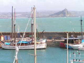 Luxury Harbour & Sea View Apartment No.3 Cornwall - Marazion vacation rentals