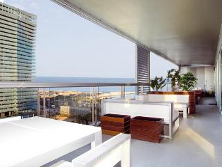 Beach Apartment with Jacuzzi & Sea Views - Barcelona vacation rentals