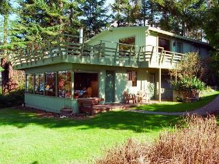 123 -Mutiny Bay Waterfront House, 6546 - next to #122 - Freeland vacation rentals