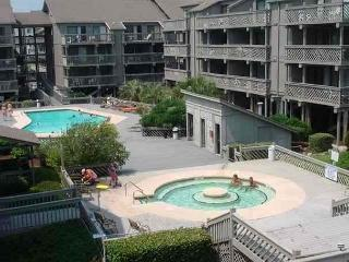 Clean and Affordable Shipwatch Pointe 1 Bedroom Condo I Myrtle Beach, SC - Myrtle Beach vacation rentals