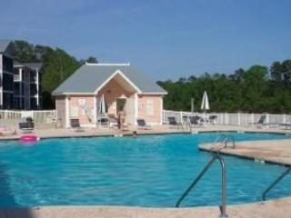 Large L shaped pool and bath house - Waterway Condo, 2 pools, Tennis Ct., Putting Green - Myrtle Beach - rentals