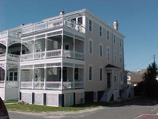 Lovely House with 2 BR, 1 BA in Cape May (White Cottage Garden Apt. 5638) - Cape May vacation rentals
