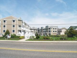 Super 2 Bedroom-2 Bathroom Condo in Cape May (5628) - Cape May vacation rentals