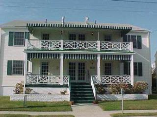 Fabulous House with 2 BR/1 BA in Cape May (Suites of Jefferson 53377) - Cape May vacation rentals