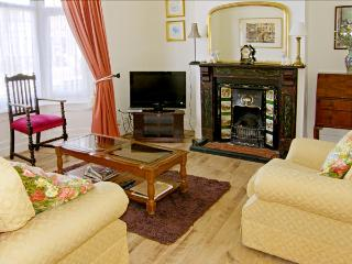 VICTORIA COTTAGE, pet friendly, with a garden in Marske-By-The-Sea, Ref 3940 - Marske-by-the-sea vacation rentals