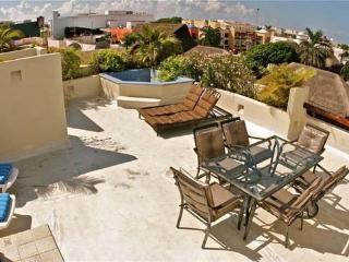 2 Bedroom Penthouse in the Heart of Playa del Carmen - Playa del Carmen vacation rentals