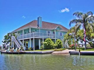 Best Waterfront Home, Fish, Beach, Community Pool - Rockport vacation rentals