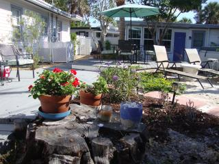 Siesta de Mayo Village August Special $700./2A - Siesta Key vacation rentals
