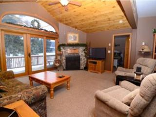 2 bedroom House with Hot Tub in McHenry - McHenry vacation rentals