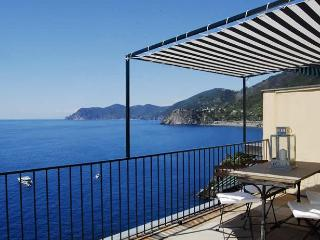 La Lampara in Manarola, CINQUE TERRE - Vernazza vacation rentals