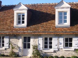 A Cosy French Cottage in the Grand Chateaux Area - Paris vacation rentals