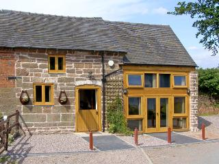 LAKESIDE COTTAGE, family friendly, character holiday cottage in Rosehill, Ref 4228 - Shropshire vacation rentals