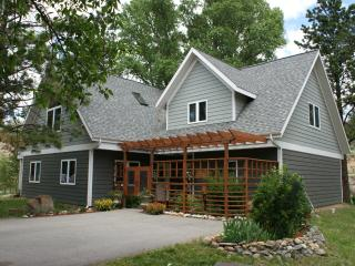 LOW Winter rates + LUX home on the river w/ SPAAAA = time to get away ! - Estes Park vacation rentals
