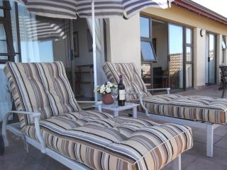 Bright Condo with Satellite Or Cable TV and Books - Mossel Bay vacation rentals