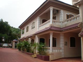 GOA - 4BHK Villa with Pool, 5-7 mins from Baga - Bardez vacation rentals