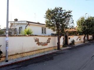 The Walnut Nest - Rome vacation rentals