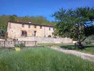 6 Bedroom Countryside Villa with Stunning Views - Sovicille vacation rentals