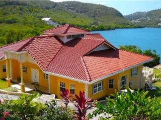 Bright 3 bedroom South Coast House with Internet Access - South Coast vacation rentals