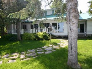 3 bedroom Cottage with Deck in Owen Sound - Owen Sound vacation rentals