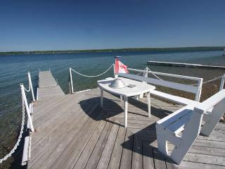 Paradise on the Bay cottage (#624) - Wiarton vacation rentals