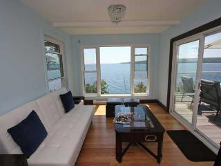 Bright 3 bedroom Cottage in Lions Head - Lions Head vacation rentals