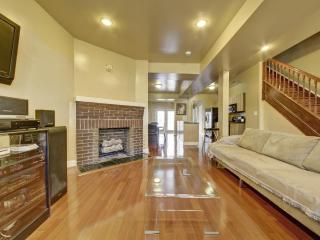 Modern Luxury,Fireplace,Hdtv/Rm,Wii,Great Location - Washington DC vacation rentals