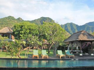 Private Beachfront villa Pemuteran Bali with staff - Pemuteran vacation rentals