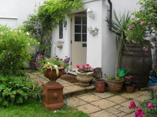 Malara Cottage - Bed & Breakfast on the Riverside - Kingston upon Thames vacation rentals