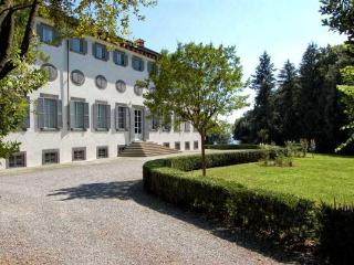 Historic 2 Bedroom Villa in Lucca, Italy - Matraia vacation rentals