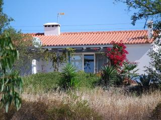 Casa Passaro, Nature, Silence, Culture and Beach - Santiago do Cacem vacation rentals