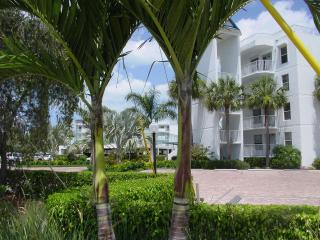 Luxurious Waterfront Condominium on Marco Island - Florida South Gulf Coast vacation rentals