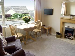 WYNNVILLE, country holiday cottage, with a garden in Embsay, Ref 4240 - Embsay vacation rentals