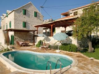 Traditional Dalmatian Villa with Private Pool - Brac vacation rentals