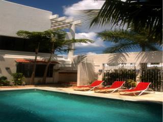 Villas Deja Blue Hotel & Restaurant Cozumel Mexico - Cozumel vacation rentals