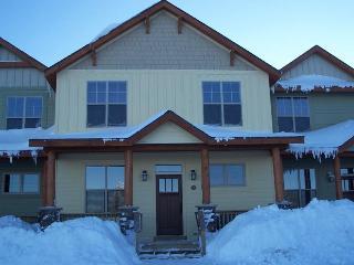 Black Bear Crossing Ski in/Ski out 5 Bedroom - Snowshoe vacation rentals