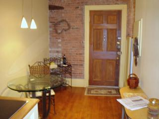 The Dartmouth Executive 1+ Bed Suite at Copely Sq - Boston vacation rentals