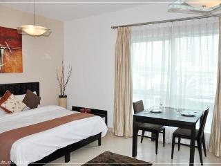 255-Stylish Studio In Dubai Marina Right Next To Metro - Dubai vacation rentals