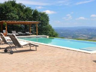 Torre Bisenzio, heated pool with breathtaking views over the hills and valleys - Acquapendente vacation rentals