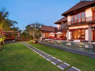 BALANGAN BEACH VILLA Ocean Views & Famous Surfing - Jimbaran vacation rentals