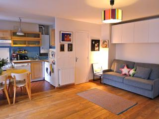 Sweet studio by the Canal St Martin. Free wi-fi!! - Paris vacation rentals