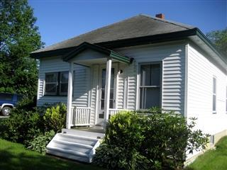 Front view - Camden Bungalow close to ocean & downtown. - Camden - rentals