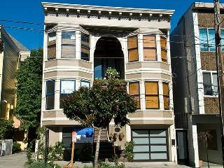 Convenient Apartment with Deck and Internet Access - San Francisco vacation rentals