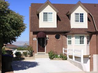 Hillside Village Ct. 4 bedroom 3.5 bath townhouse. - Cottonwood Heights vacation rentals