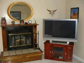 Hillside Village Ct. 4 bedroom 3.5 bath townhouse. - Cottonwood Heights vacation rentals