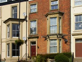 6 ABBEY TERRACE, family friendly, character holiday cottage, with a garden in Whitby, Ref 4281 - Grosmont vacation rentals