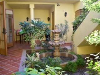 The central courtyard garden with fountain is the tranquil heart of the downstairs living area. - Luxurious Loreto Bay, Location, Location, Location - Loreto - rentals