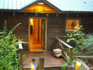 Secluded Log Cabins with Hot Tub Near Chimney Rock - Chimney Rock vacation rentals